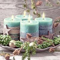 Napkins 33x33 cm - Four green candles